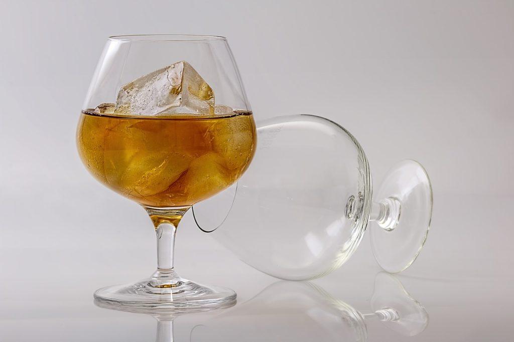 レンドルミンと酒・アルコールを同時に服用する危険性