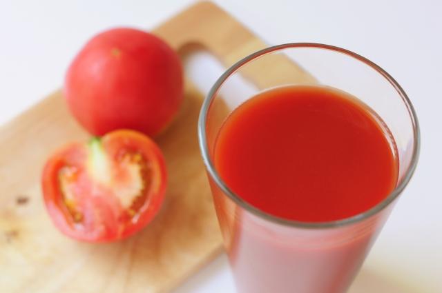 トマトジュース以外に寝ることも効果的